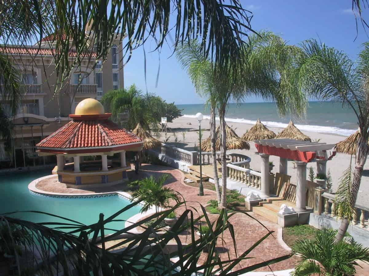 Hotel Quinta Real Beachfront La Ceiba Hotels